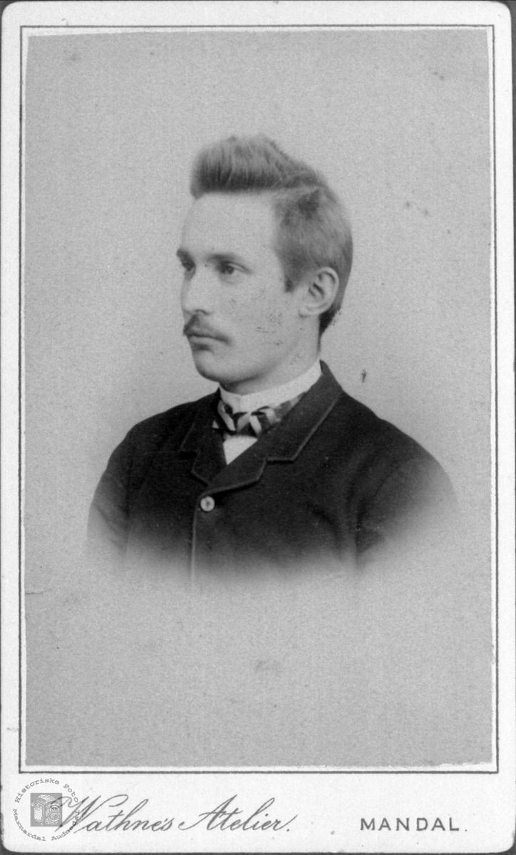 Portrett av ukjent mann, trolig fra Laudals eller konsmoområdet.