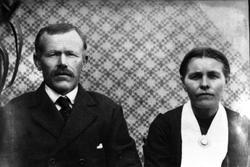 Ekteparet Tobias og Randi Flåd, Grindheim. Tobias var smed v