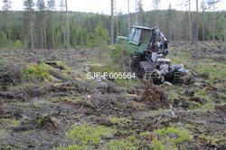 Rammestyrt traktor av merket John Deere (2006-modell) med kr