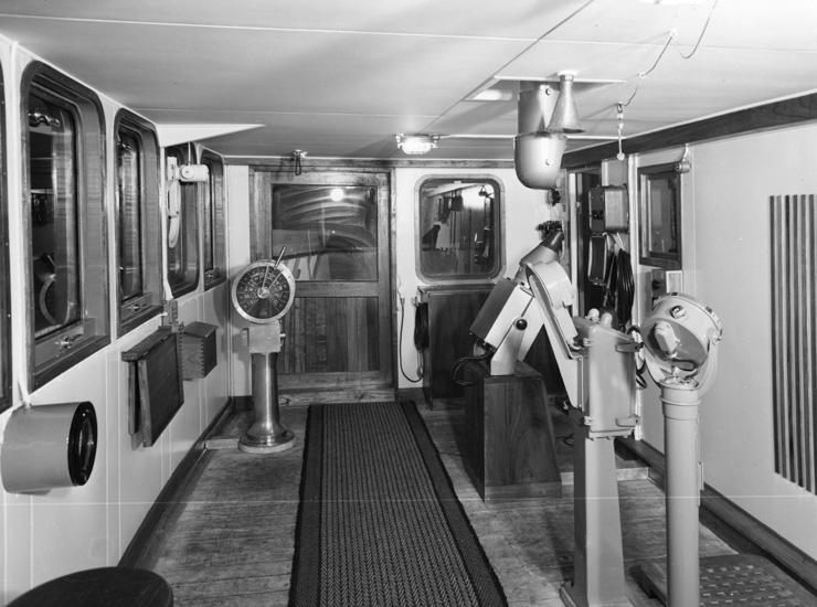 Interiör från fartyget 131 M/T Bellami, styrhytt.