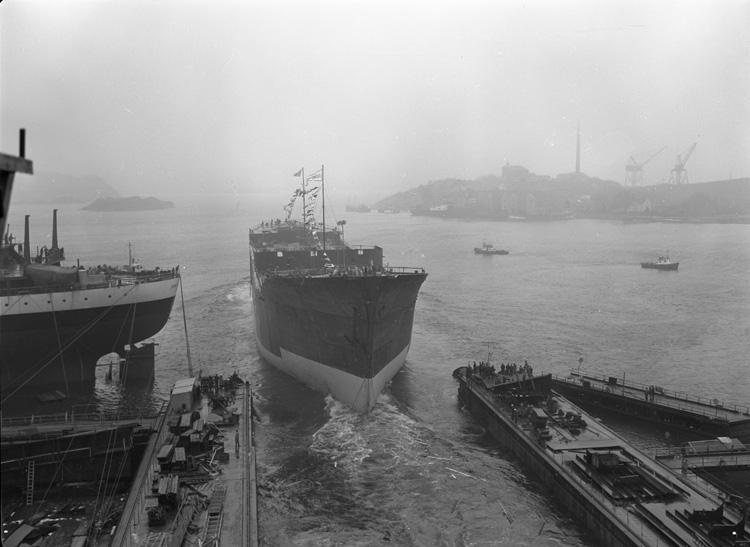 Dop och sjösättning av fartyget 136 M/T London Independence.