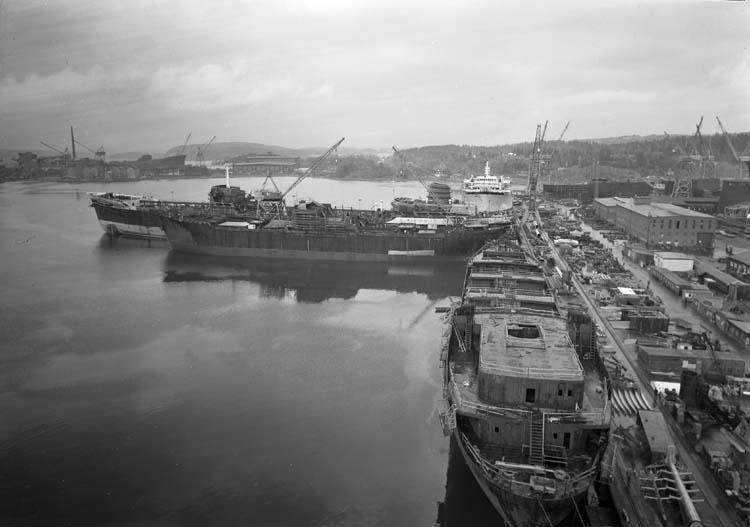 Fartyg för utrustning vid piren och kajerna.