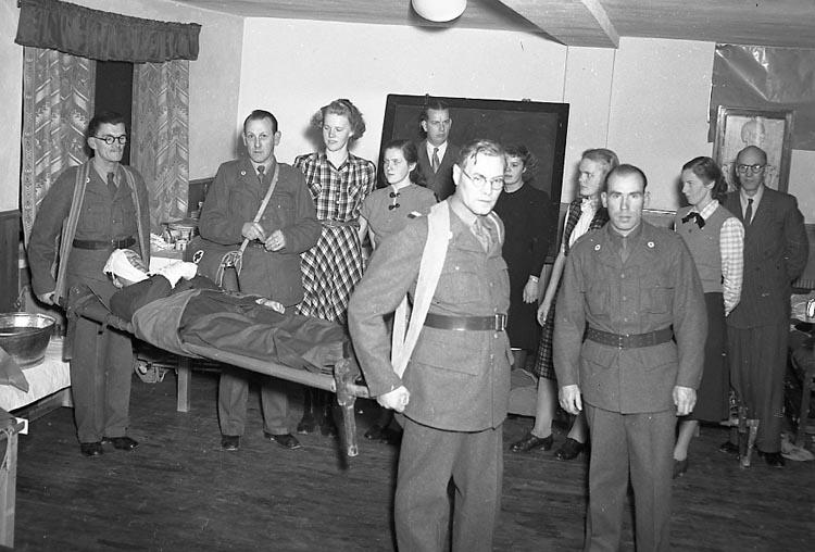 """Enligt notering: """"Röda Korset 26/10 1948""""."""