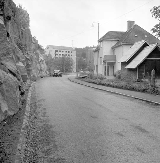"""Enligt notering: """"Bredare väg vid Tureborg 25/9 -58""""."""