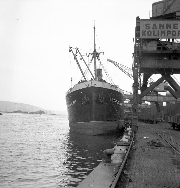 Rysk båt i hamnen