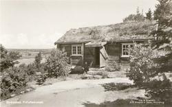 """Tryckt text på kortet: """"Strömstad. Friluftsmuseet."""" """"Foto &"""