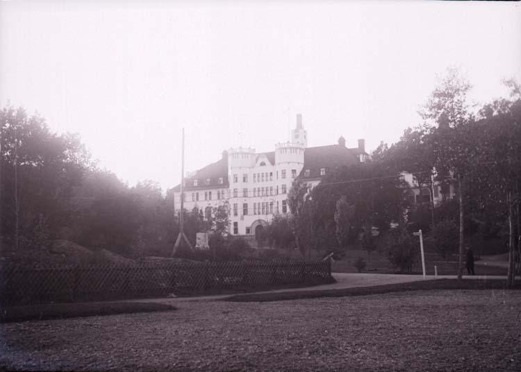 """Enligt text som medföljde bilden: """"Hotell Saltsjöbaden okt. 11""""."""