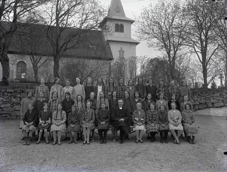 """""""32. Kyrkoherde i Svarteborg. Pastor i Foss omkring år 123-124-. Karin Blixt ....(?) Vera Löfs...(?) _- Vera Löfstrand... ."""""""