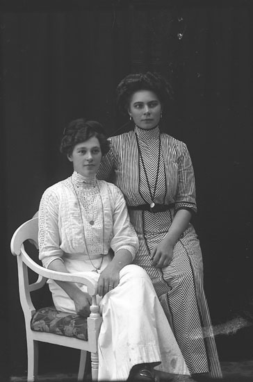 """Enligt fotografens journal Lyckorna 1909-1918: """"Rodin, Beda Restauranten Lyckorna""""."""