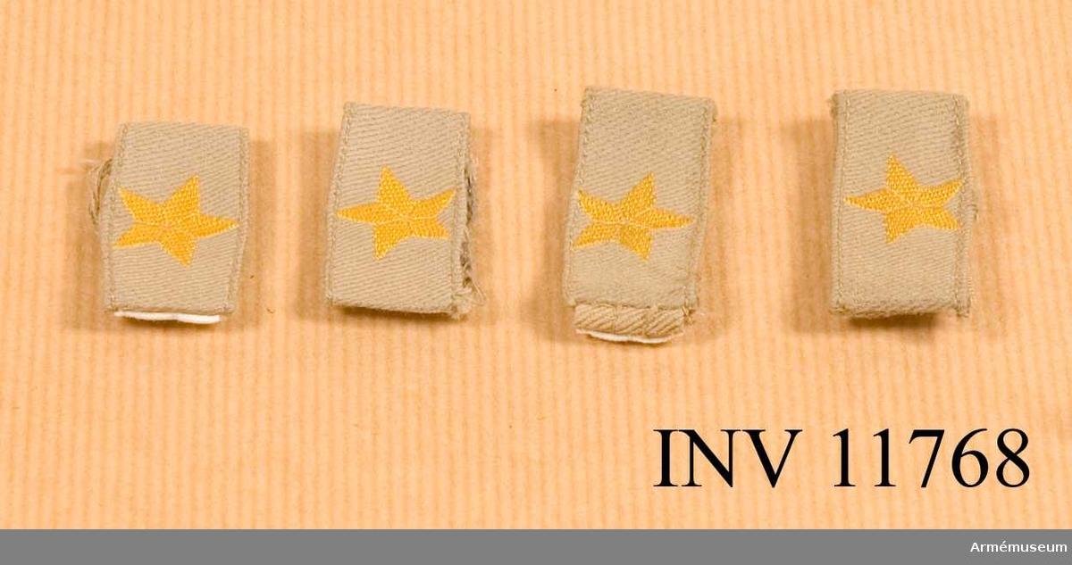 Grupp C I.  Till skjorta m/1952. 4 hylsor.