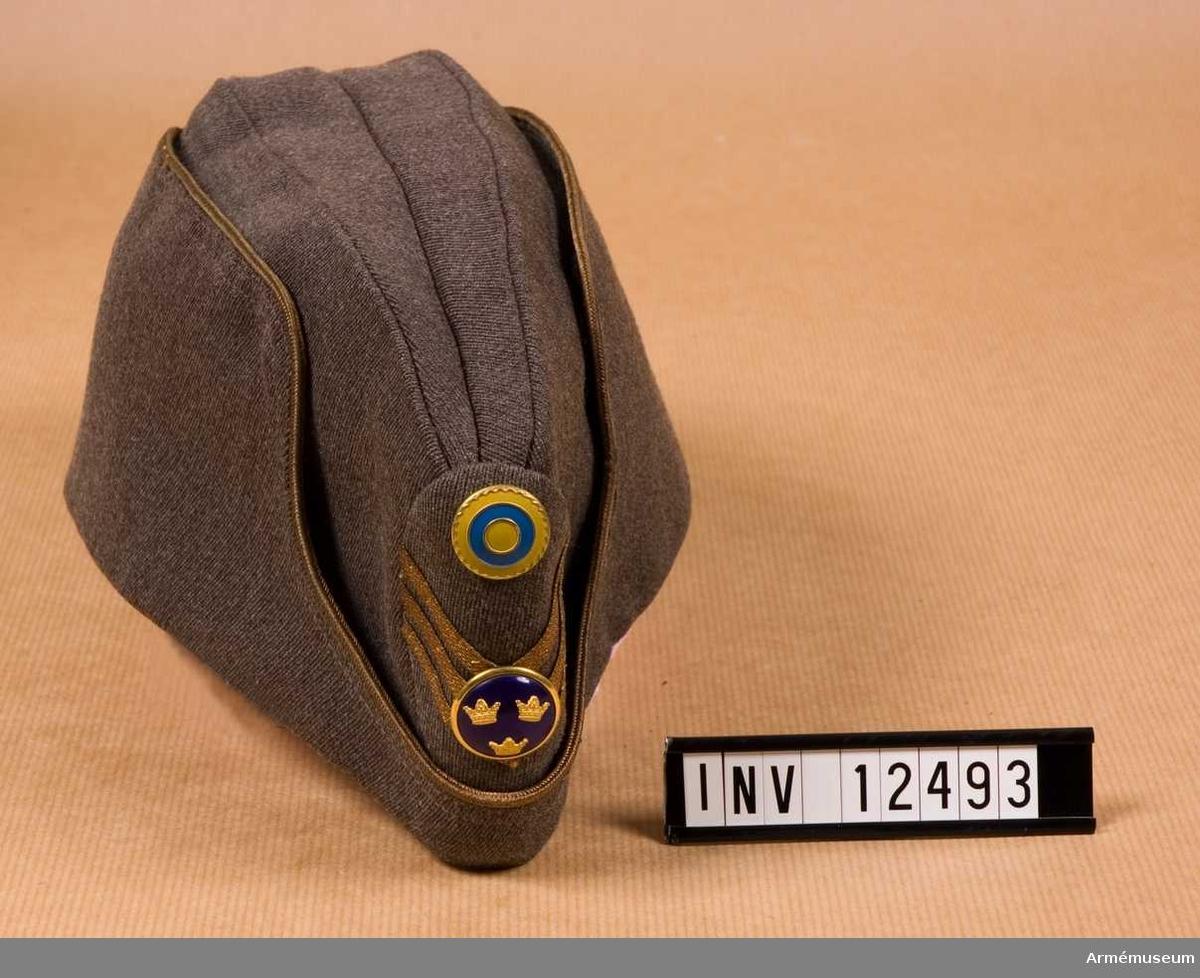 Grupp C I.  Med nationalitetsmärke m/1941 för kapten.