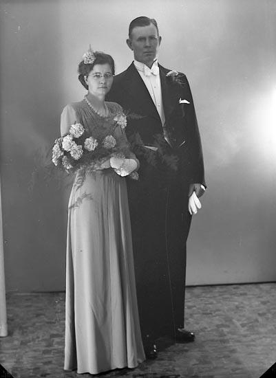"""Enligt fotografens journal nr 6 1930-1943: """"Olsson, Herr Algot Svenshögen""""."""