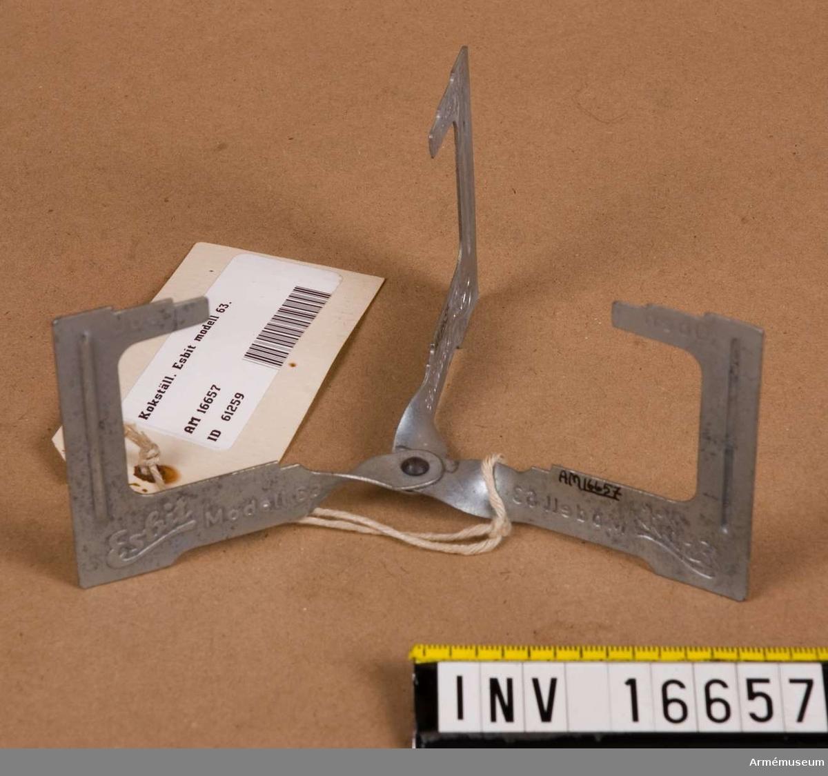 Kokställ. Esbit modell 63.Brännnare saknas. Märkt: Esbit Modell 63 (Oben).