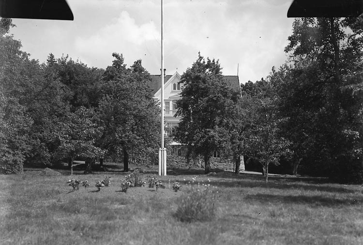 """Fotografens journal nr 6 1930-1943: """"Bruhn, Fr. Maud Stenung Stenungsund""""."""