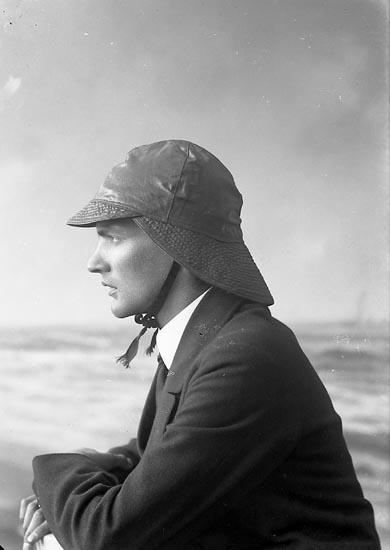 """Enligt fotografens journal nr 3 1916-1917: """"Wijkmark, Bernt Arkitekt Stockholm""""."""