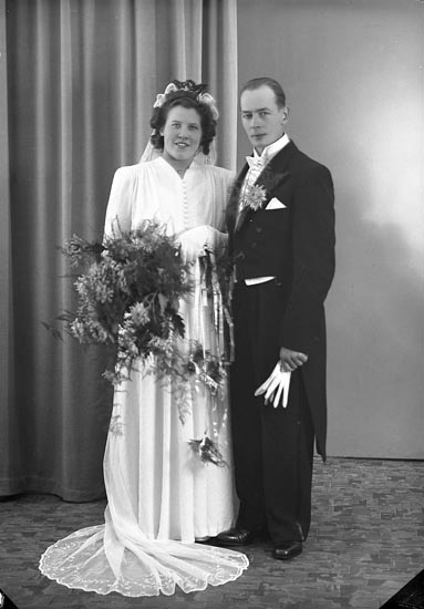 "Enligt fotografens journal nr 7 1944-1950: ""Berntsson, Herr Bernt Gullborga Svenshögen""."