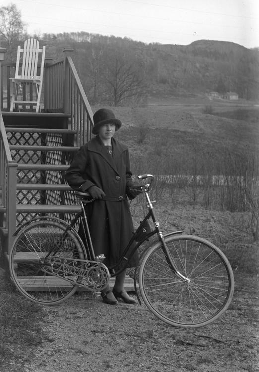Enl fotografen: Lignell, Lerryr den 28 april 1925. Liggarens nr: 121-25