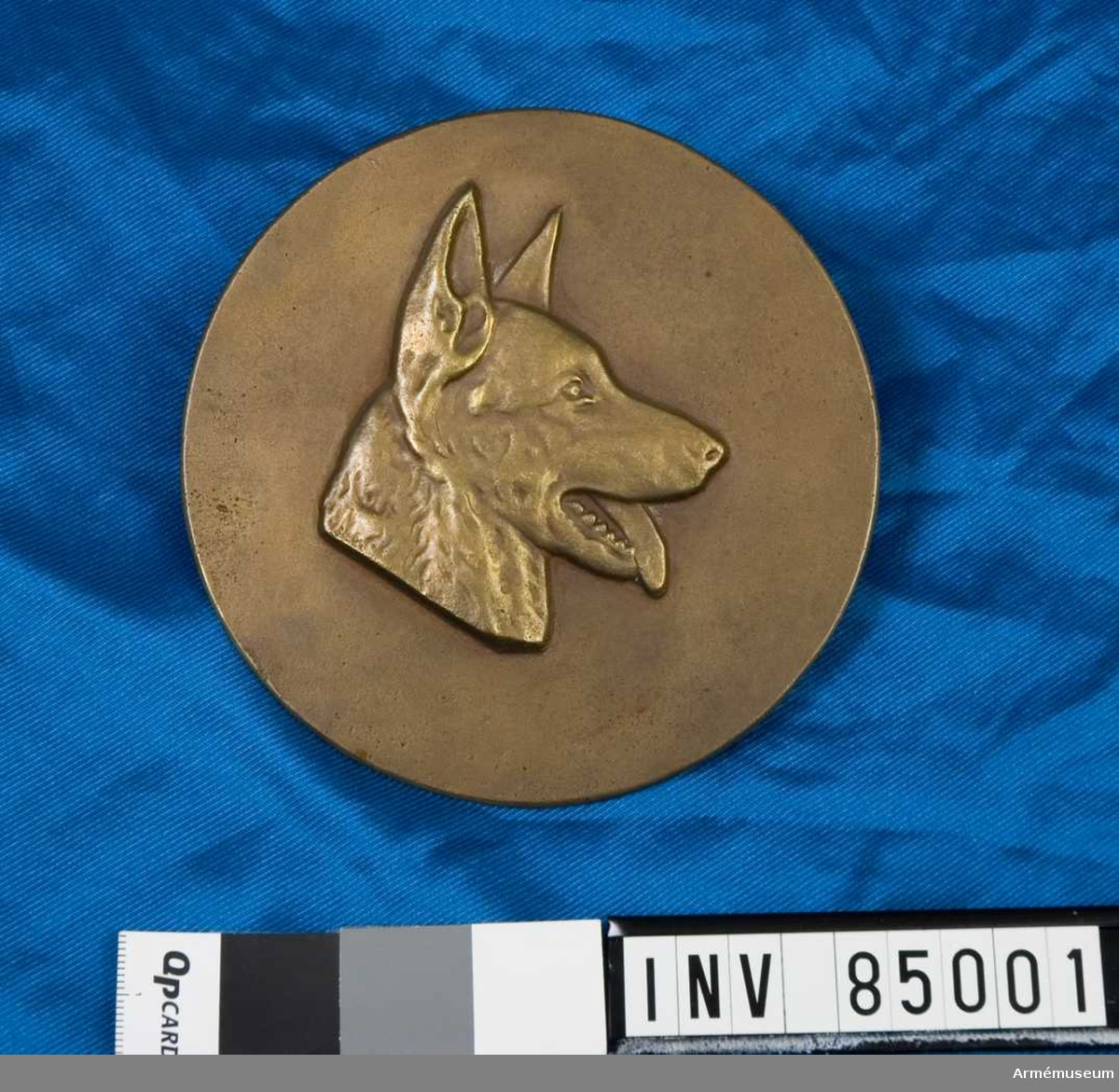 nr. 11755.  metallmodell. Personal vid arméhundväsendet & underbefäl i hundtjänst vid förband.