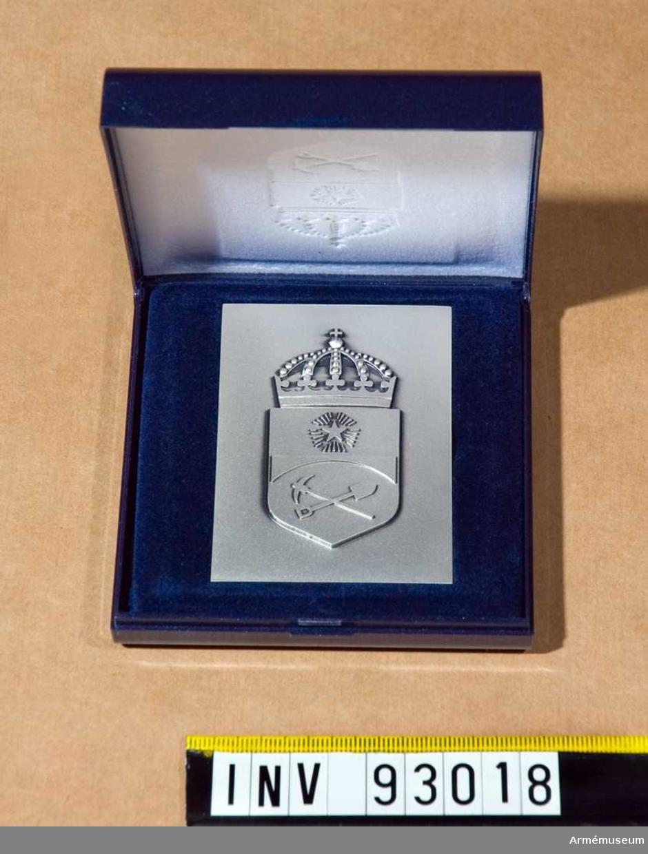 Plakett i silver med BRB emblem 1969.