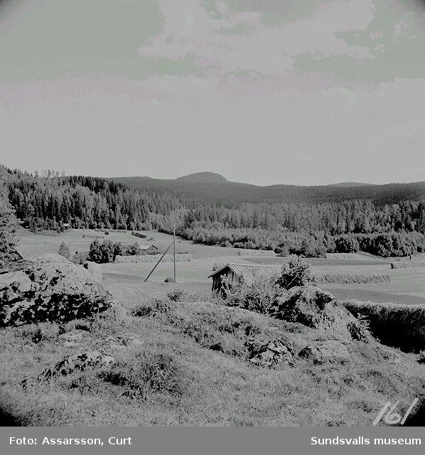 Röjeknipen, 309 m.ö.h., sedd från Lagfors.
