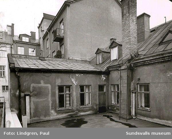 Kyrkogatan 2. Bakgården. Byggherre var busspionjären Ehlin.