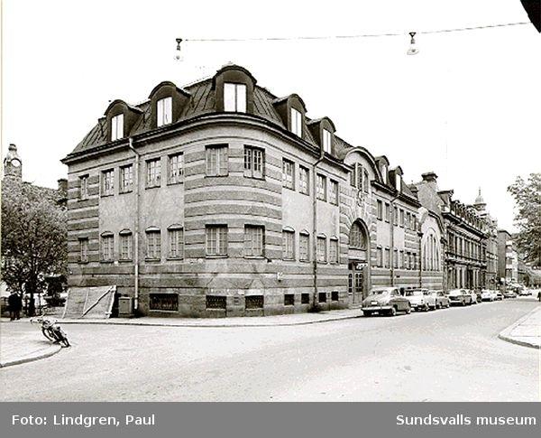 Kyrkogatan 28. Varmbadhuset.