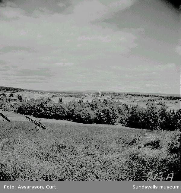 Sköns Kyrka sedd från söder.