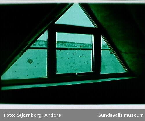 Nytt vindsfönster mot söder, (Granska huset).