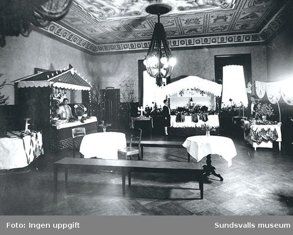 Sundsvalls Martha-förening. .Julmässa i Hantverksföreningens lokaler 1928-12-15 till 1928-12-16.