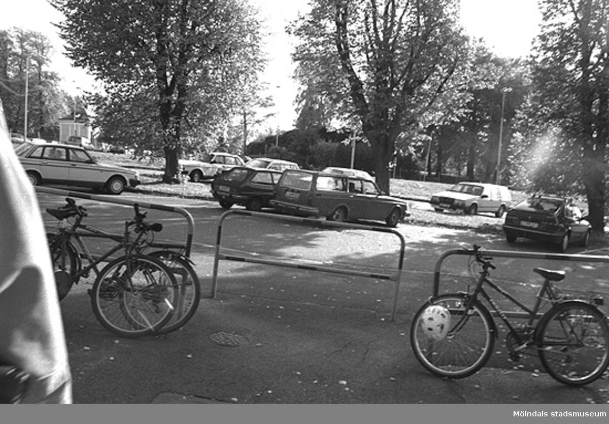 MMF1996:1019-1023. Kvarnbyskolan 9A grupp 6.