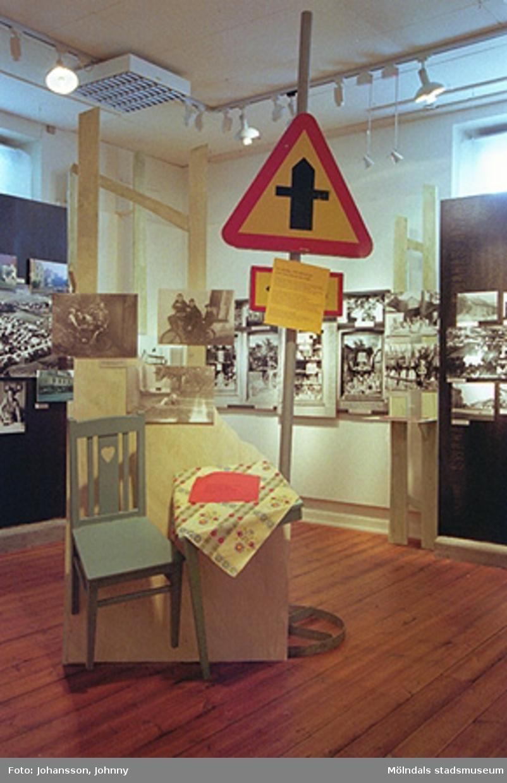 """""""Mölndalsbro - minnen, förändring, framtid"""". Fotoutställning om Mölndalsbro och centrum i bilder från 1920-talet till 2000-talets visioner. Visades på Mölndals museum 17/3-3/11 1996."""