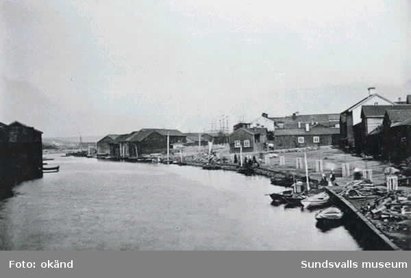 Båtar i Selångersån. Fisktorget.