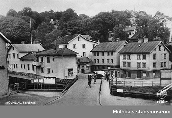 Vy från Forsebron på Fisketorget (Götaforsliden 4/Roten M2). Okänt årtal.