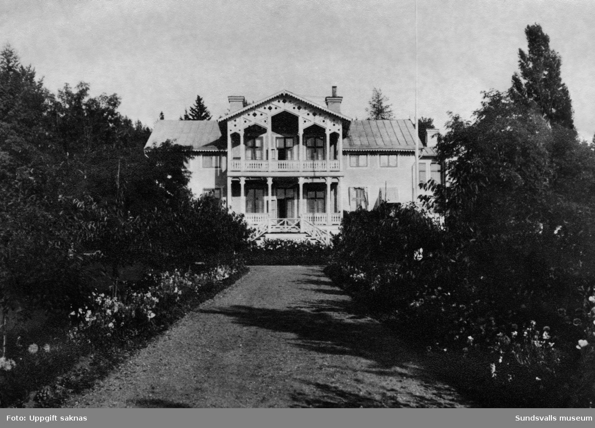 Nyhamns herrgård under den period då disponent V E Nilsson med familj bodde i huset.