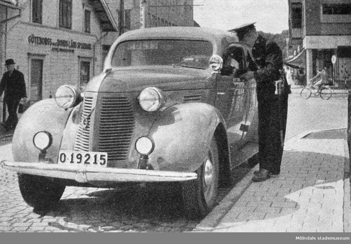 Polisbilen vid Mölndalsbro.
