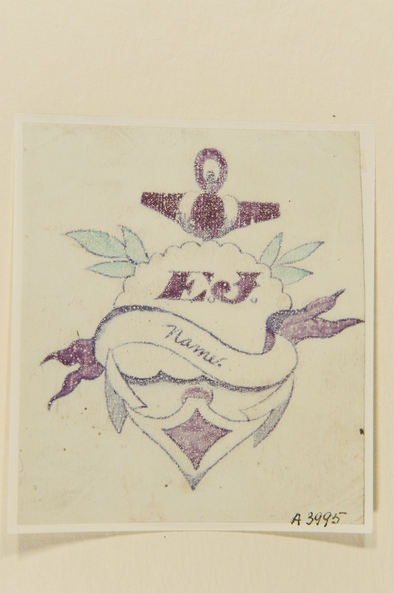 """Tatueringsförlaga. En banderoll med påskriften """"Name"""" framför ett moln med initialerna """"E.J."""" på ett ankare."""