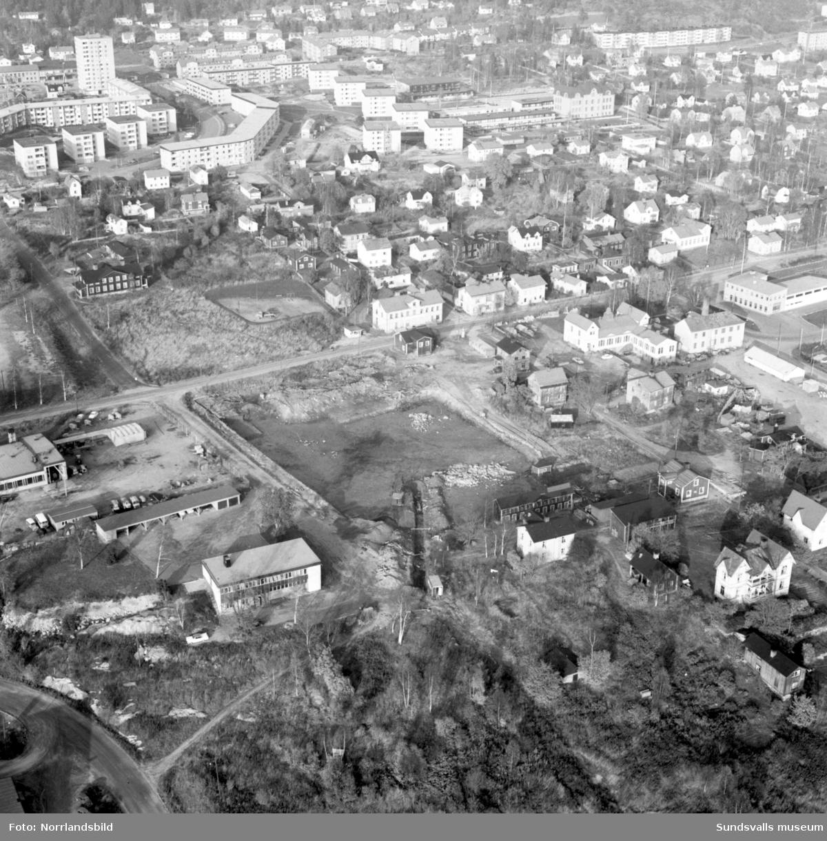 Flygfoto över tomten i Skönsberg där Philipssons Bil AB ska bygga nytt.