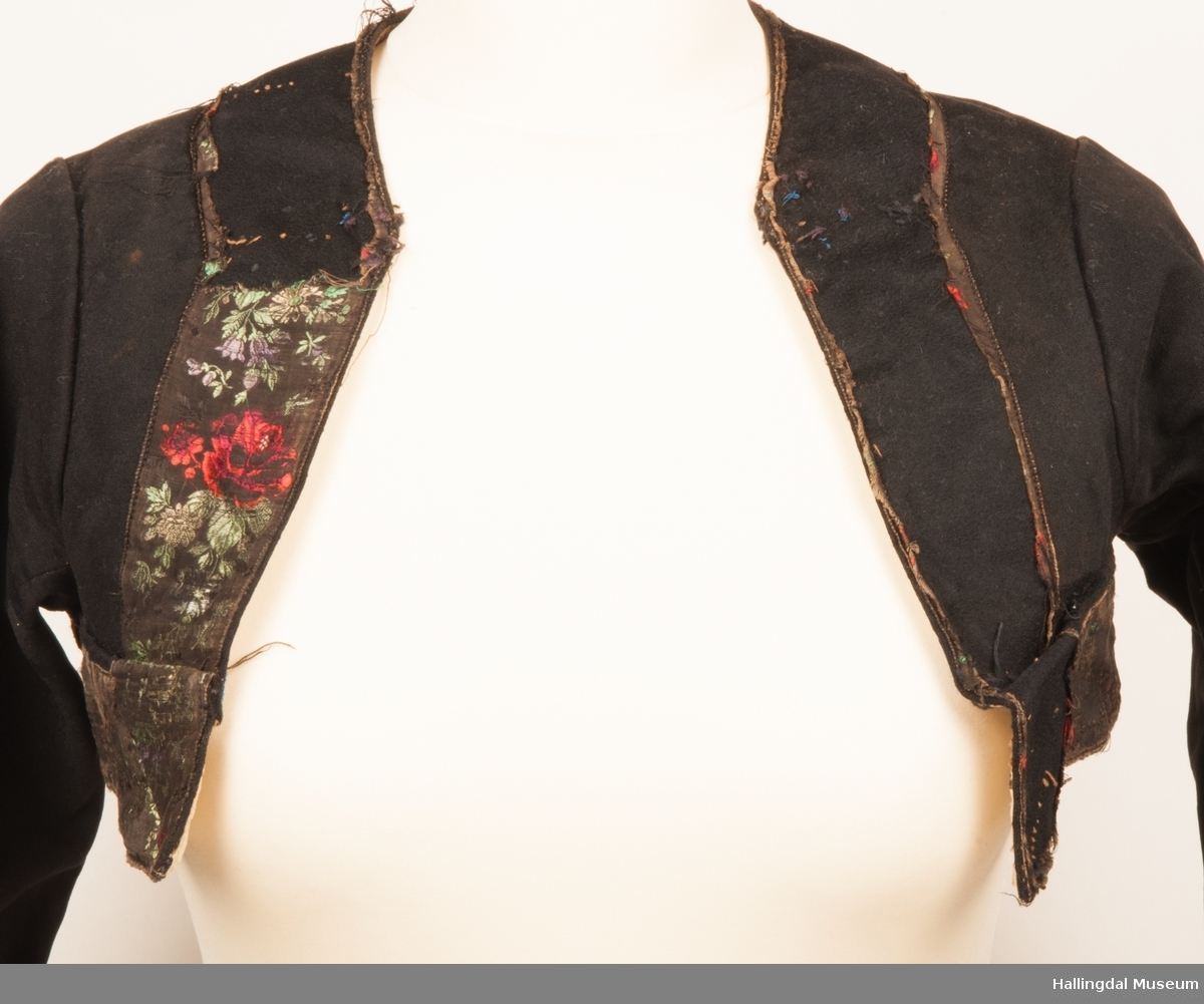 En jakke til stakk for kvinner/jenter til fint i vinterhalvåret