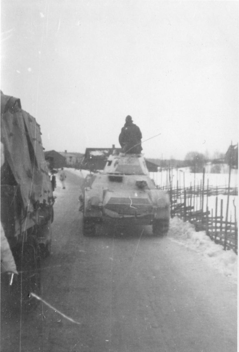 Pansarbil m/1940, Beredskap i Värmland, vinter. Förare: Prins Bertil.