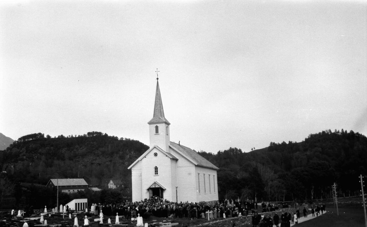 Askvoll kyrkje