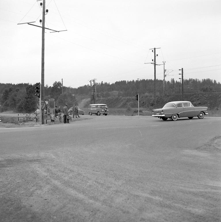 """Enligt notering: """"Trafikljus vid Sörviksvarvet 1/7 -60""""."""