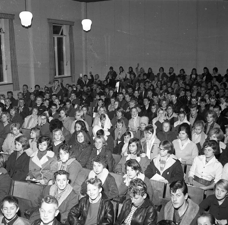 """Enligt notering: """"Tonårsträff Folkets Hus Nov -60""""."""