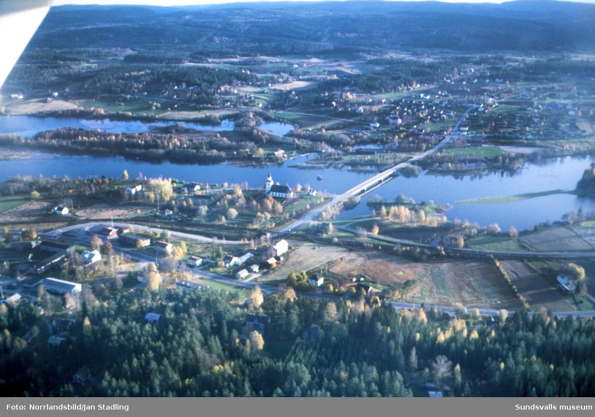 Flygfoton över Ljungan vid Stöde och Torpshammar.