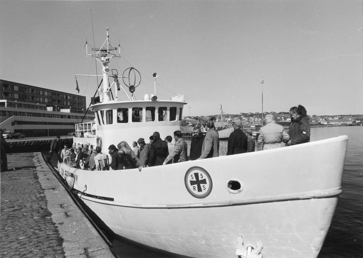 Fartyg: DAN BROSTRÖM                  Bredd över allt 6,90 meterRederi: SjöräddningssällskapetByggår: 1967Varv: AB Åsiverken, Åmål.Övrigt: Donerad av fru Anna-Ida Broström och Broströmskoncernen.