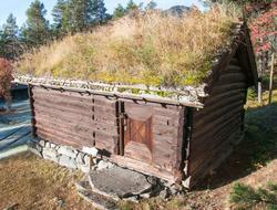 Raunsgardstugu fra Raunsgard i Ustedalen, kårstugu