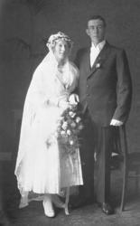 Brudparet Linnéa och Gustaf Gunnarsson, Smögen, 1921