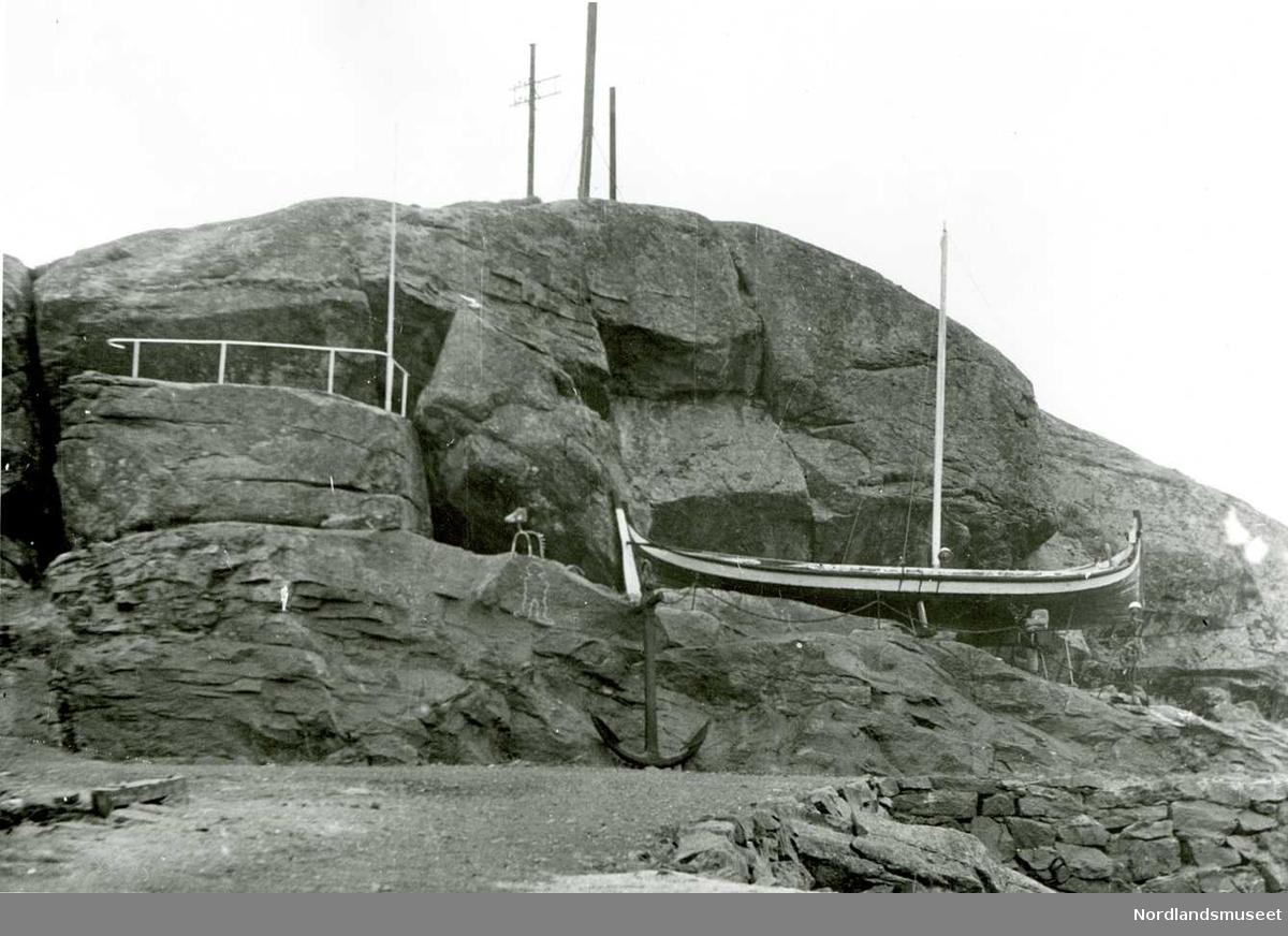 Nordlandsbåt på land. Sund Museum.