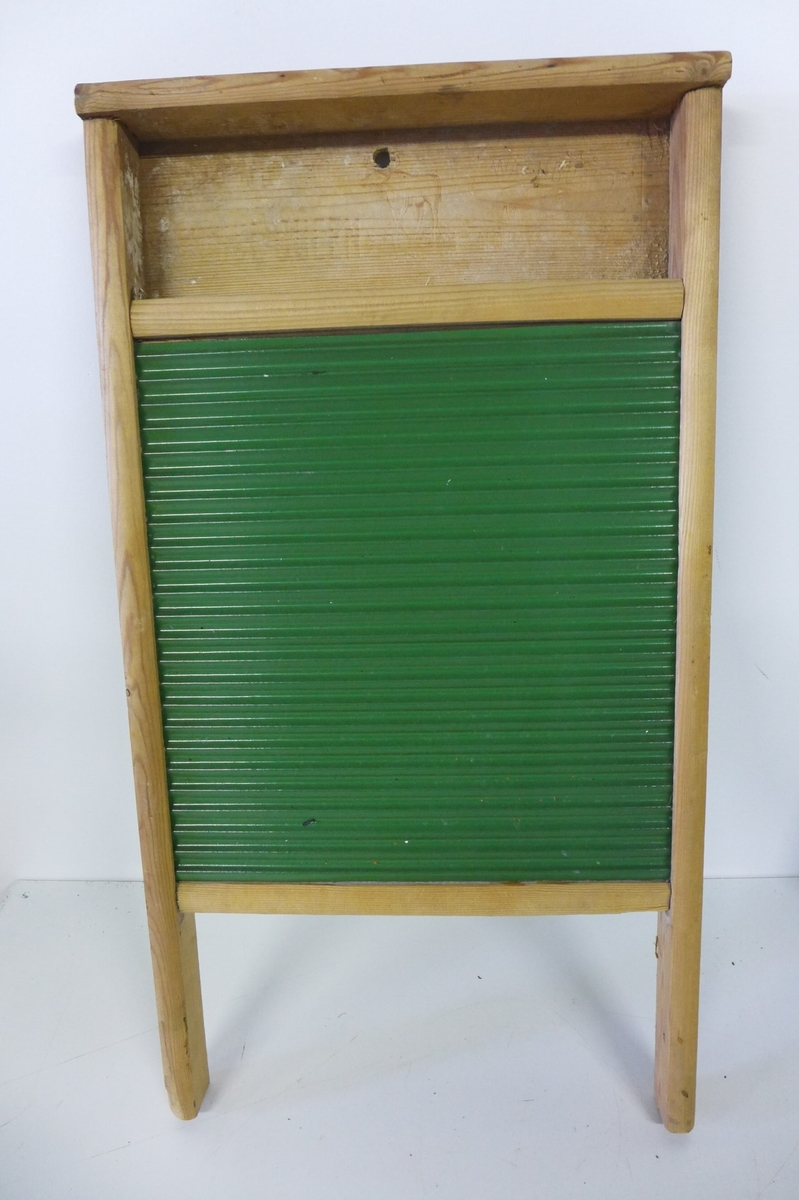 THE NORSE QUEEN Reg. trademark Washboard Made in Norway