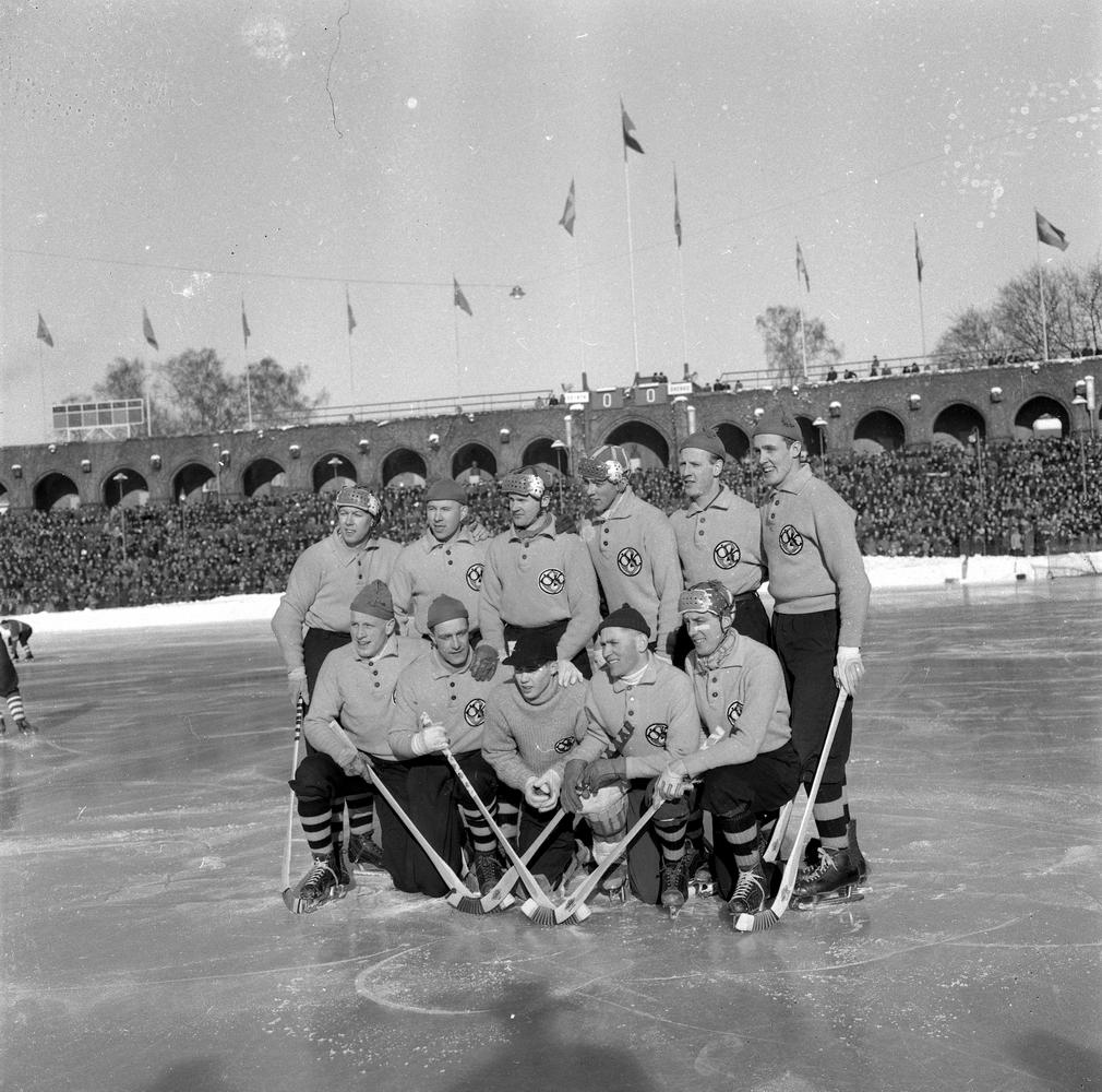 SM-final ÖSK-Edsbyn. Bildsidan.21 februari 1955