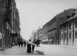 Drottninggatan mot söder. Fotot är taget bortom Nikolaikyrka